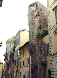 Roma, Via dell'Arco della Ciambella.